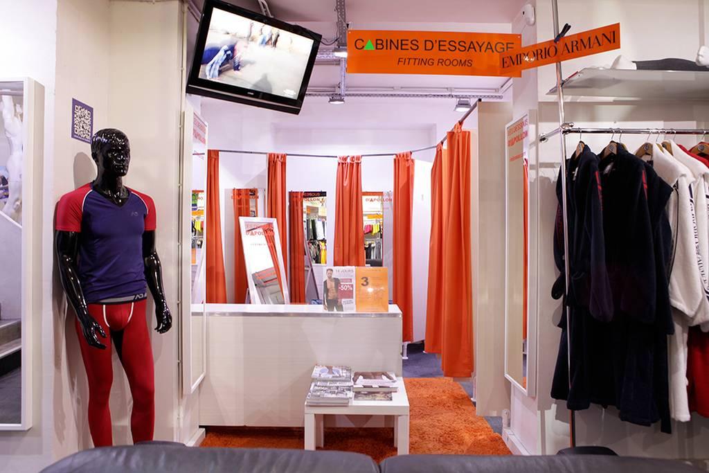 De Gay Dessous Mégastore D apollon Les Des Boutiques Paris Guide Av8v4x 93efc0acd3b