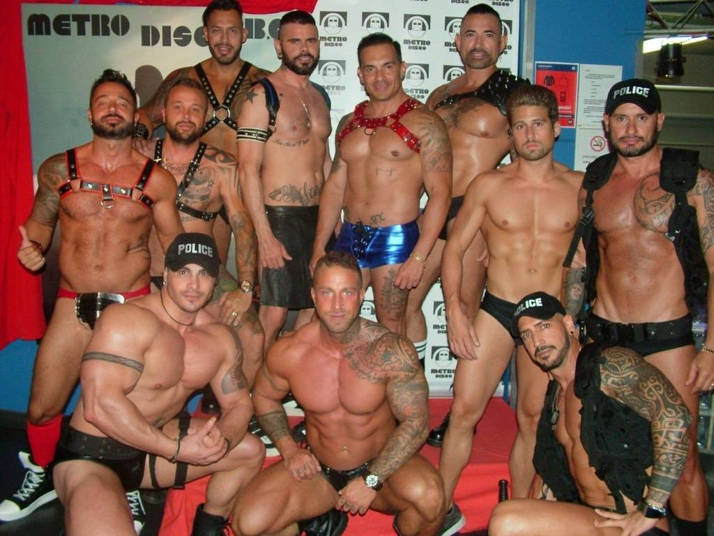 Barcelona gay nightlife private tour with local guide