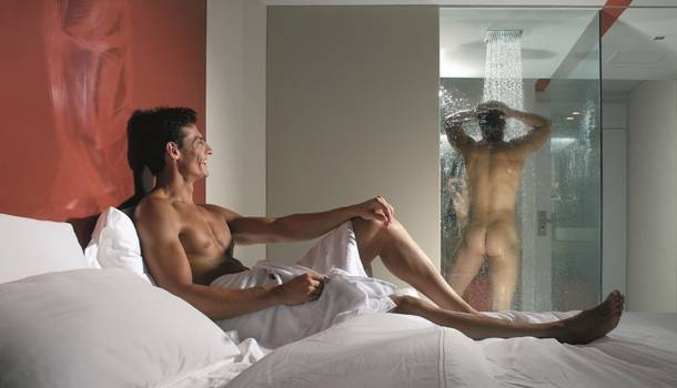Wanna spend your afternoon at the hotel, discreetly? Think