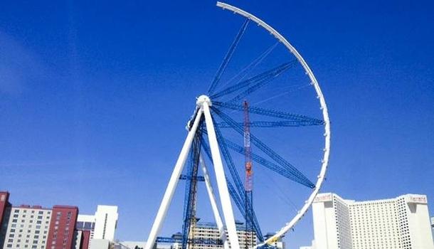 A Las Vegas, la plus haute grande roue du monde prend forme