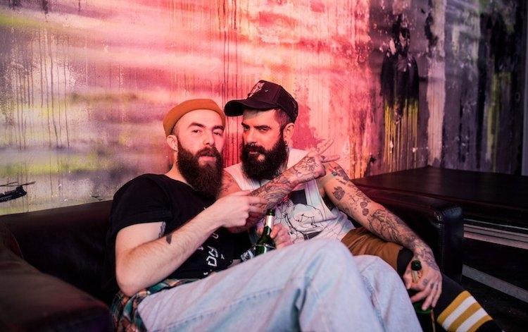 gay sites de rencontres Berlin datant d'un magma grunt chapitre 9