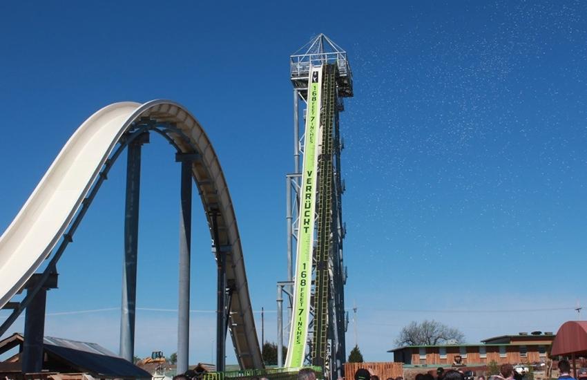 Verrückt, le toboggan aquatique le plus haut du monde, est ouvert