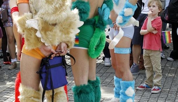 Discrète mais colorée, la gay pride de Tokyo