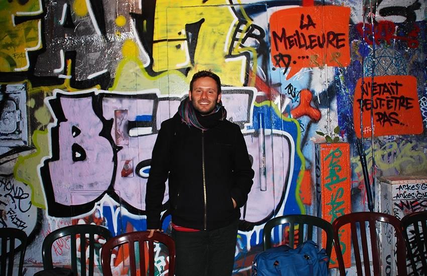 Interview : Suriani égaye la rue