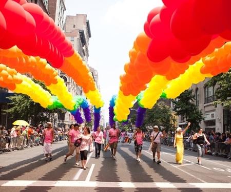 A New York, une gay pride pour célébrer le 1er anniversaire du mariage gay