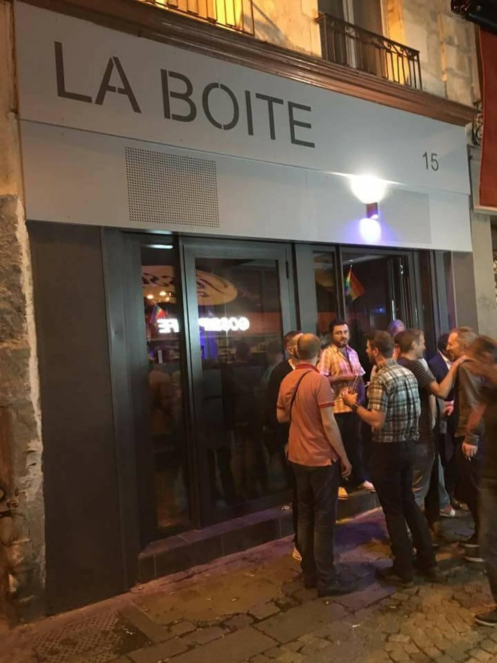 site rencontre ado gay clubs à Savigny le Temple