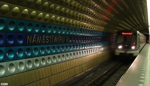 Un métro pour célibataires à Prague ?