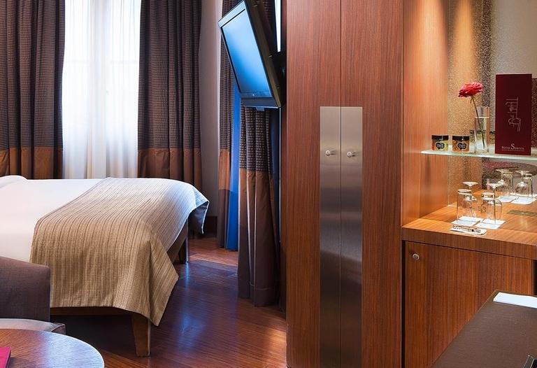 Radisson Blu Hotel - Champs Elysées