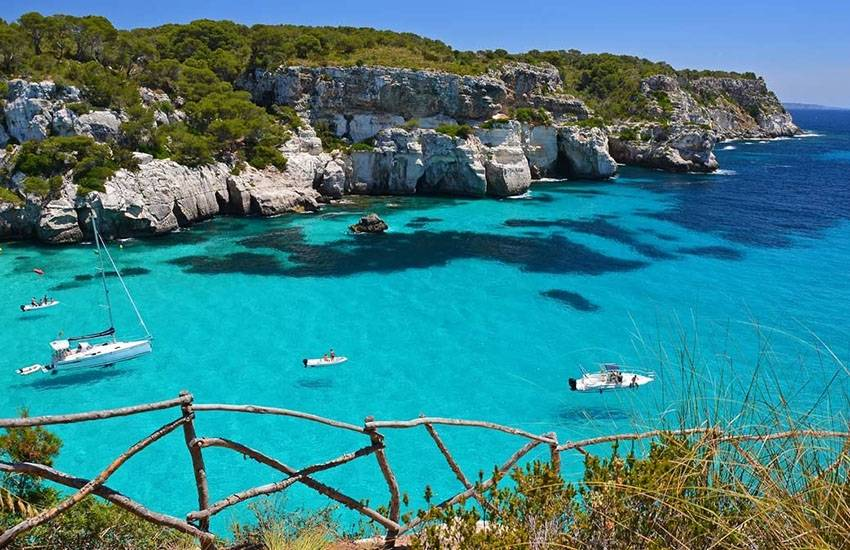 Spain : the islands temptation