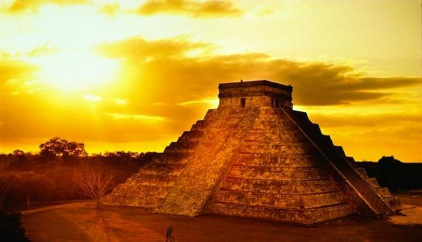 Fin du monde: voyage sur la route des Mayas.